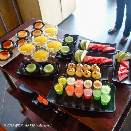 Dessert Trolley! Fruits, Jelly (many kinds), Flan, Choux