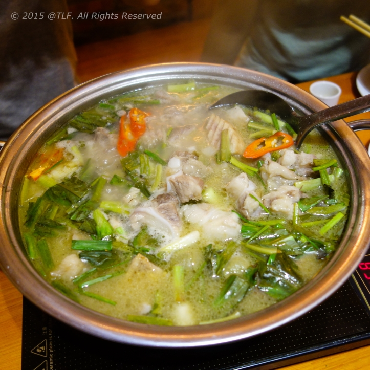 Pork Rip Tips with Dracontomelon Hot Pot ~ Lẩu Sườn Sụn om Sấu