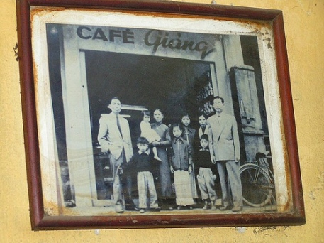 Nostalgia - Cafe Giang, 7 Hang Gai. Picture of Mr. Giang's family.