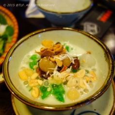 "Che thap cam (mixed ""che"" a.k.a sweet soup - dessert)"