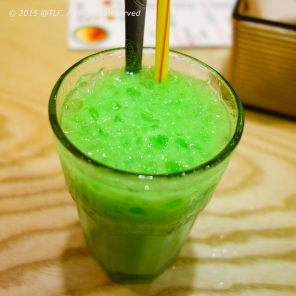 Pandan Leaf Juice with Milk - Sam Dua Sua (after mixing)