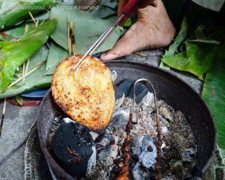 "Grilling ""Ca Bo"" (Dried Leatherjacket fish)"