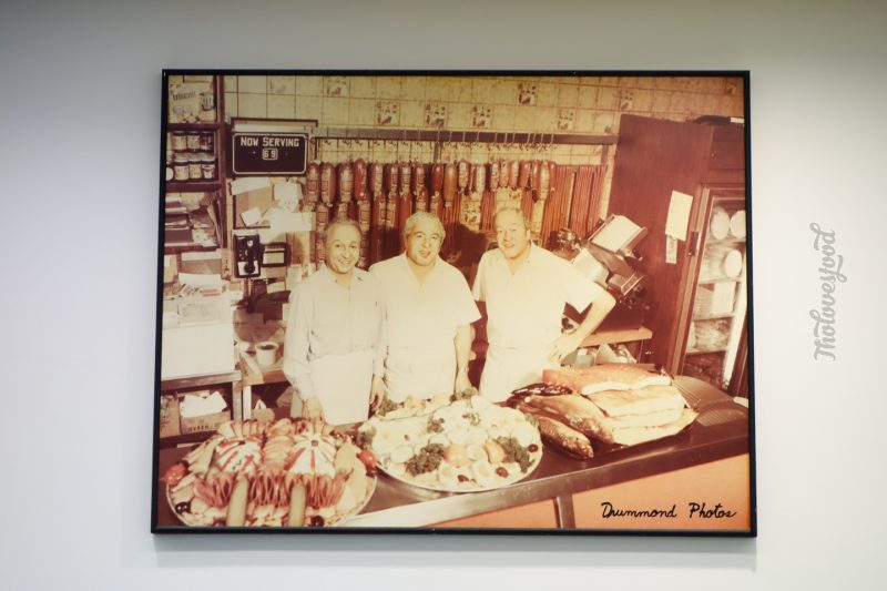 {Montreal} Smoked Meat ở Snowdon Deli
